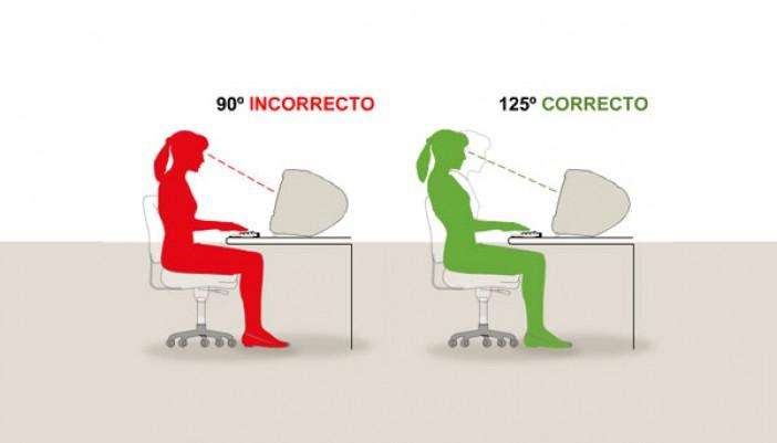 Tips para sentarse correctamente en la oficina
