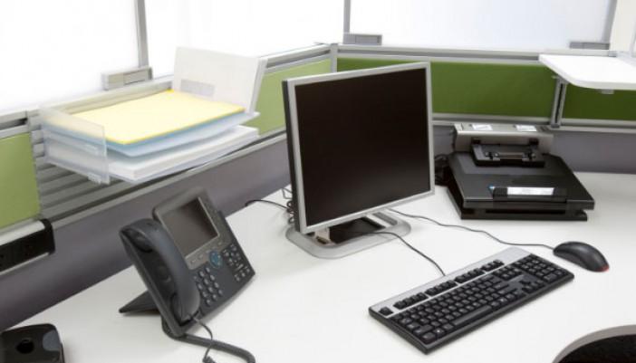 Acomoda tu escritorio de una mejor manera