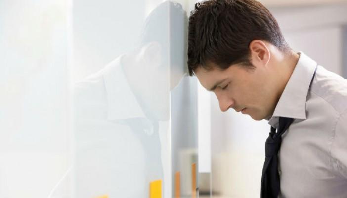 10 malos hábitos de las personas infelices