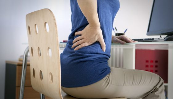 20150430215254-sitting-computer-desk-health-back-pain
