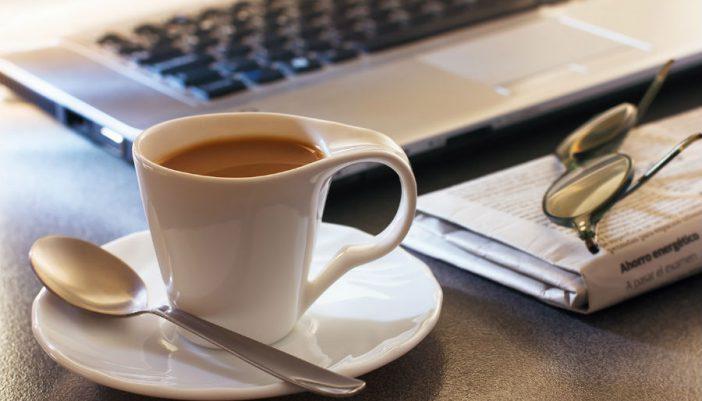 Por qué tomar café a primera hora por las mañanas es malo