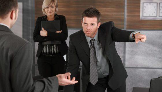 emociones negativas en el trabajo