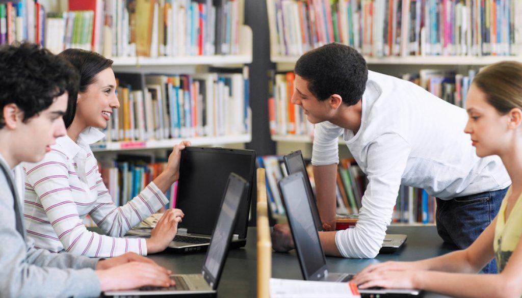estudiantes-preparatoria-emprendimiento
